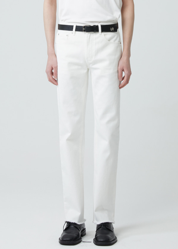 STRAIGHT CUT WASHED JEANS IVORY