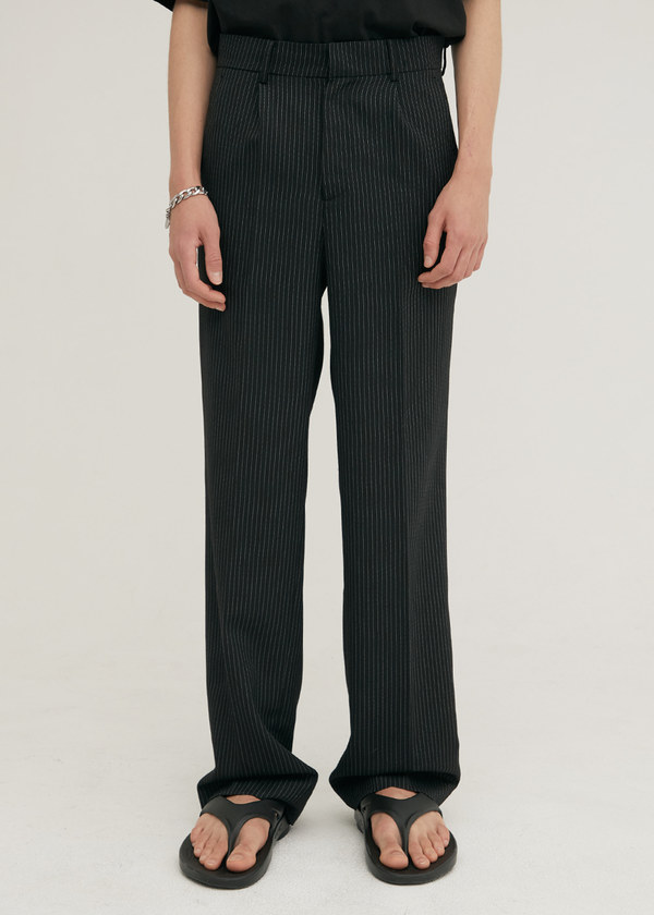 PIN STRIPE TAILORED WOOL SEMI WIDE PANTS BLACK
